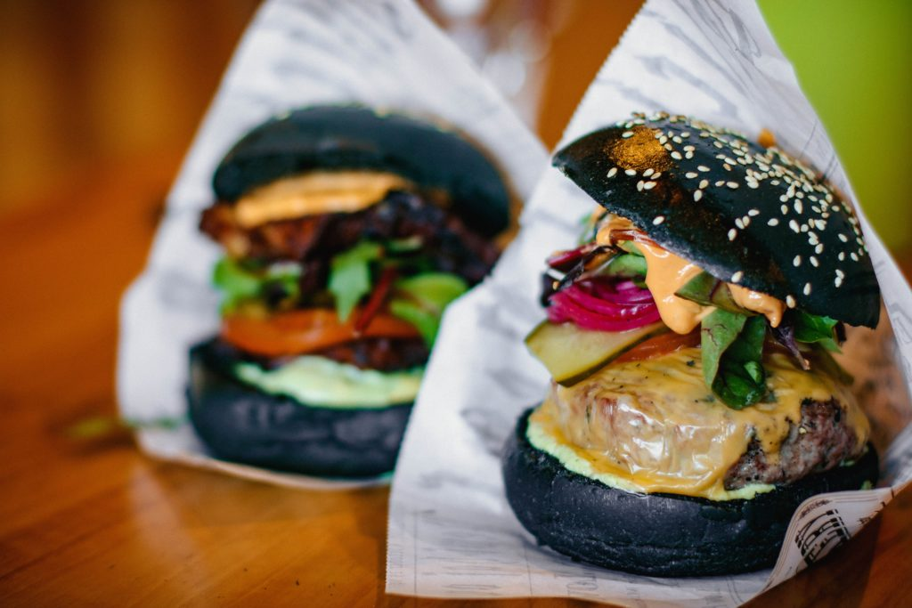 alternative meat black bean burgers [skyezee fashionfit]